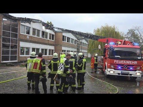 Großbrand in Gesamtschule Hennef-West - 15-jähriger festgenommen am 15.04.18 + O-Ton
