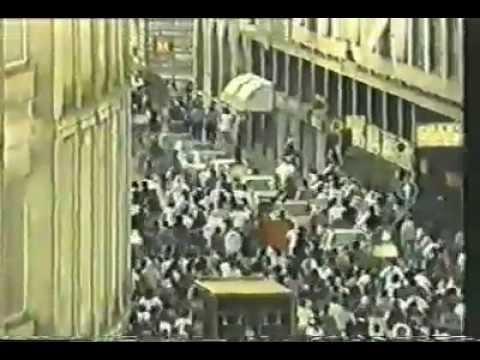 Como negociar con la policia  Una Celere ritirata - Milano -  1994-09-10 leonkavallo