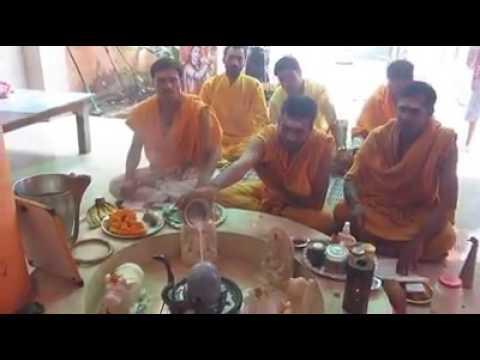 Wonderful incident - snake on lord shiva lingam abhishekam..