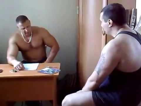 Тренер по бодибилдингу )))