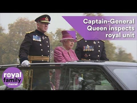 Captain-General Queen inspects royal unit