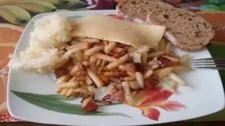Первоапрельский снег, картошка с колбасой и десерт