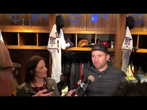 4/5/18: Brian Dozier on playing home opener in the cold