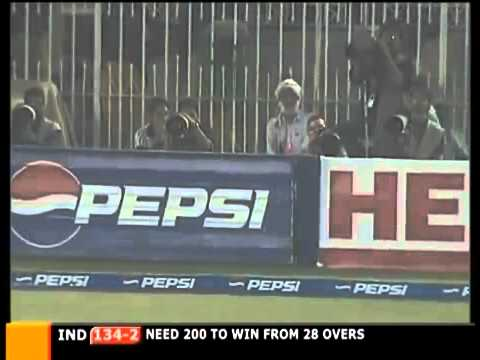 Sachin Tendulkar 141135 India v Pakistan Samsung Cup 2nd ODI at Rawalpindi  2004