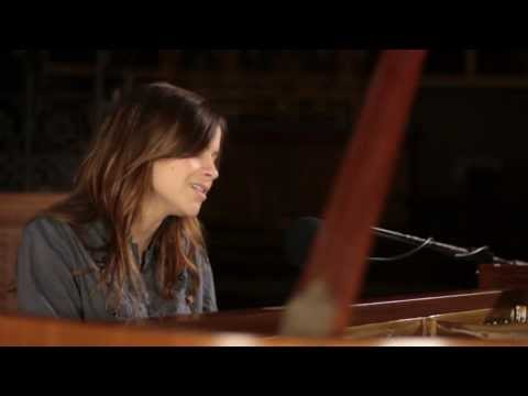 Gabrielle Aplin - Keep Pushing Me (Live) mp3