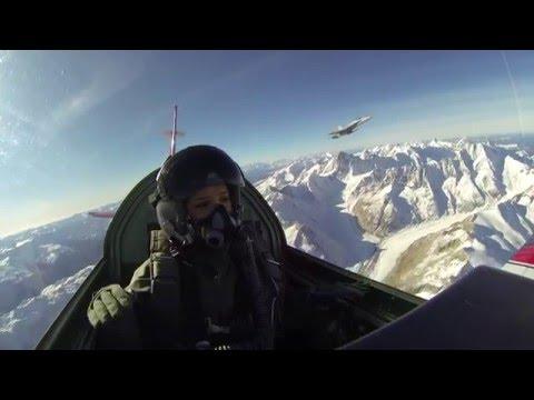 Kampfjet-Fight hoch über den Alpen! | Gülsha folgt dir