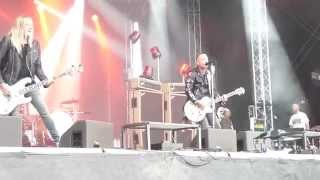 "Backyard Babies - Dysfunctional Professional  ""Live@Getaway Rock"""