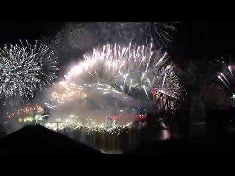 Sydney New Years Eve Fireworks 2015 - 2016 Complete 12pm