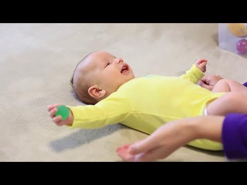 Развивающие занятия для детей до 3 месяцев: МОТОРИКА