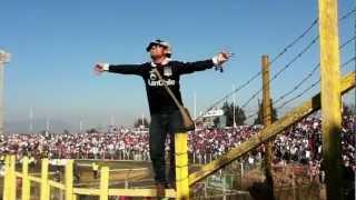 COLO COLO EN RANCAGuA, HINCHA ARRIBA DE LA REJA, LA OLA