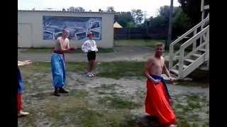 Необычные украинские танцы..