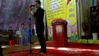 [Sáo Trúc] Anh Ngọc Anh thể hiện bài Mẹ Từ Bi tại chùa Phúc Nghiêm.