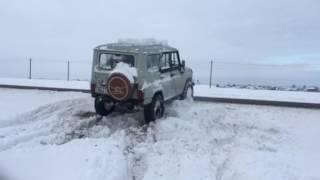 Белорусский экстрим -Уаз штурмует косагор по снежному полю