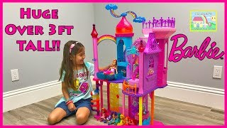 Video HUGE PRINCESS CASTLE Surprise Toys Hunt DreamTopia Rainbow Girls Kids Dolls Egg Toy Surprises download MP3, 3GP, MP4, WEBM, AVI, FLV November 2017