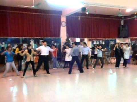 Học khiêu vũ Slow waltz IDC club 3-5-CN hàng tuần tại Hà Nội - Thầy Quân
