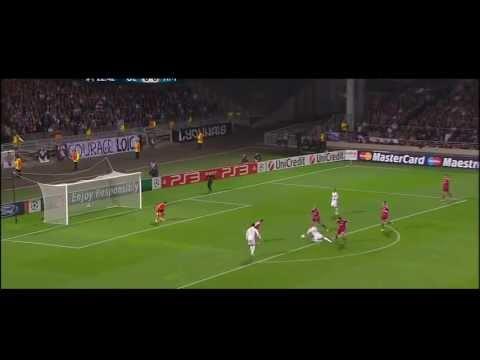 Mesut Özil Back Heel Passes by yaojingwang