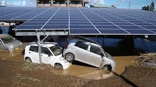 秋山川堤防が決壊 住宅地に浸水 住民救助求める  栃木・佐野