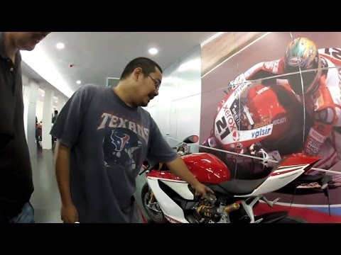 Ducati Panigale Review in Bahasa Malaysia