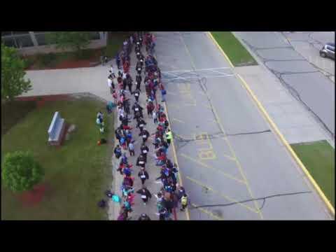 Pewaukee High School: Senior walk