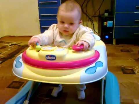 С какого возраста можно садить ребенка в ходунки?