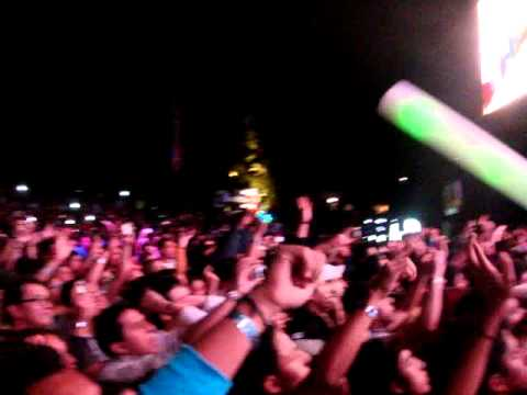 Dash Berlin vs Coldplay- Fix Your Pressure (Dash Berlin Mashup) Six Flags 2012