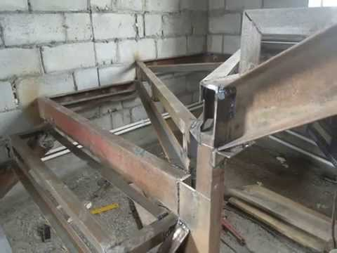 Изготовление металлического каркаса лестницы с забежными ступенями