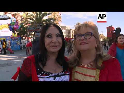 Thousands line streets of Viareggio to see satirical floats