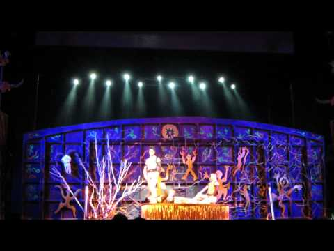 Acrobatic Show - The Chaoyang Theatre, Beijing - Hand Balancing