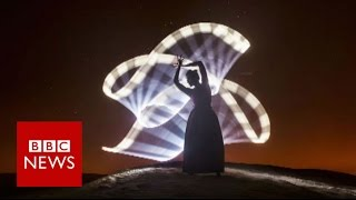 Light painting in the 'blue hour'   BBC News