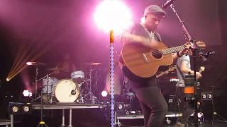 """Rend Collective Performing """"Nailed To The Cross"""" in New Berlin, WI on 11-12-17"""