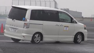 Интересные фургоны - Toyota Noah/Voxy и Toyota Town/Lite Ace Noah