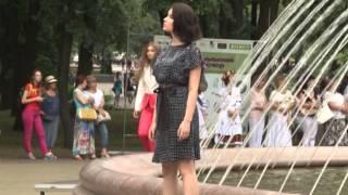 Модное Купалье: в Минске прошел показ летних коллекций белорусской одежды(, 2015-07-07T10:29:50.000Z)