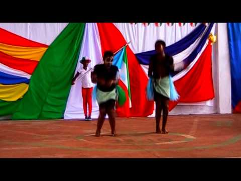 TRADITIONAL DANCE GIVES GUINEA EQUATORIAL. Etnia Fang