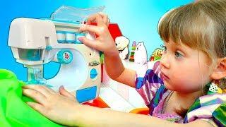 Платья и Игрушечная Швейная Машинака с Nastya Play Toys