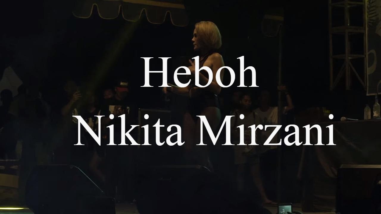Hasil gambar untuk DJ Devina nikita mirzani bali
