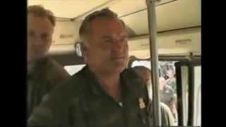 PRAVA ISTINA O SREBRENICI: Ratko Mladić mirno ispraća muslimane u autobusima! (Žepa 1995)