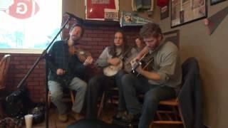 The Black Twig Pickers - Sugar In The Gourd (WNRV Jamboree - Pearisburg, VA - 1/7/12)