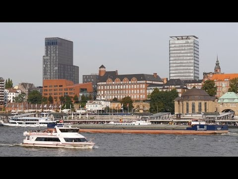 Hamburg, Germany: Harbor, St. Pauli Skyline, Elbe Ship Traffic - 4:1 Time Lapse - (HFR 60fps/1080p)