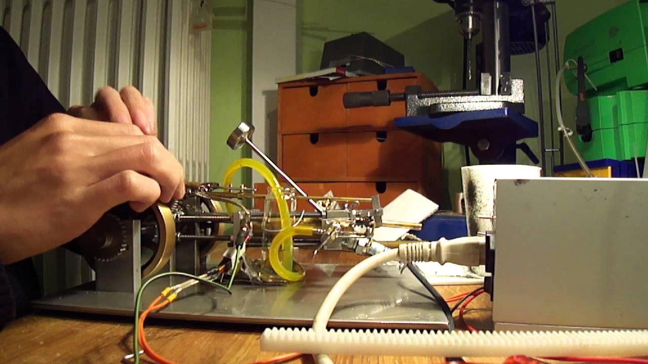 modellbau verbrenner motor selber bauen kleinen v motor. Black Bedroom Furniture Sets. Home Design Ideas