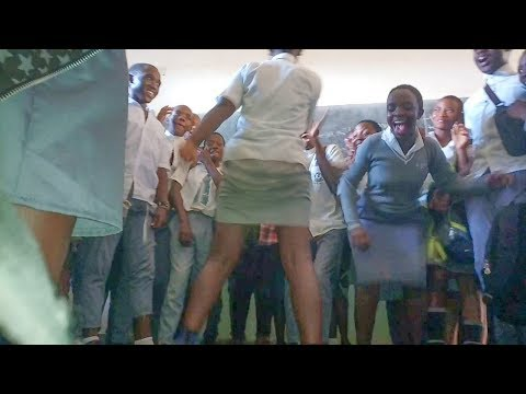 Students special dance in African Class: Don't miss this dances