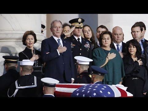 Буш-старший был во