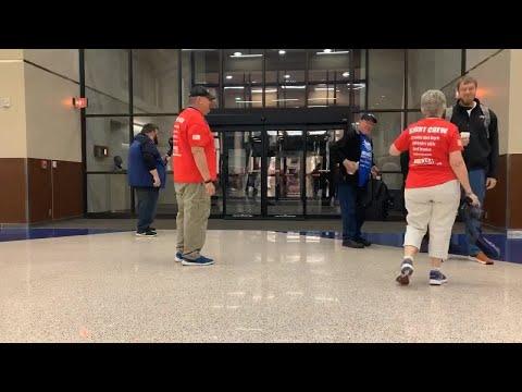 Veterans Arrive At Sioux Falls Regional Airport