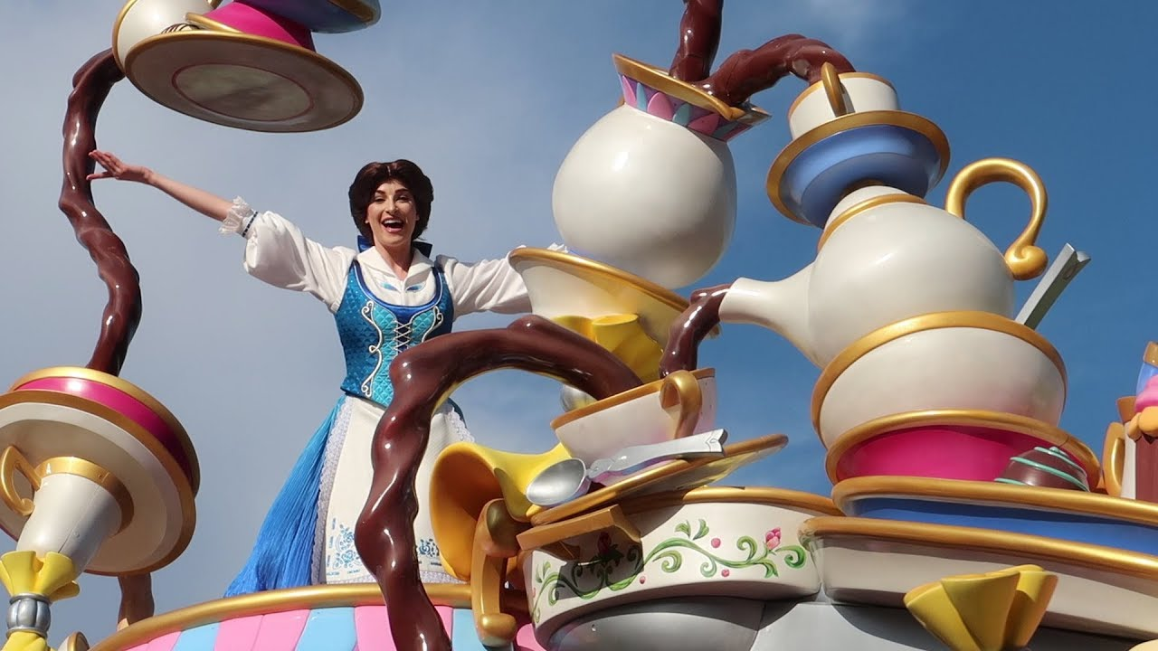 94bda7018 Tokyo Disneyland | Best Parade Ever, Shopping At The Disney Store &  Exploring The Monorail Loop