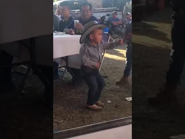 Minik kovboyun dansı