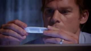 Декстер нашел в фургоне кровь ( 5 сезон 2 серия)