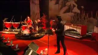 The White Stripes - Glastonbury 2005 - 01 Dead Leaves And The Dirty Ground