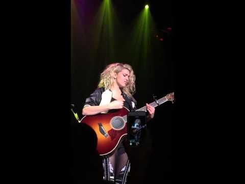 Tori Kelly - FUNNY (Amazing UNPLUGGED Live Version)