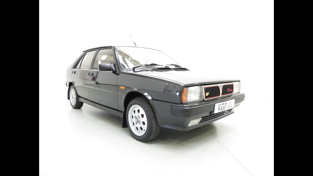 immaculate lancia delta hf turbo ie with one owner full history and 30 754 miles from new. Black Bedroom Furniture Sets. Home Design Ideas