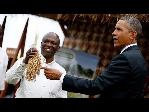 Obama visits former slave trade fort in Senegal