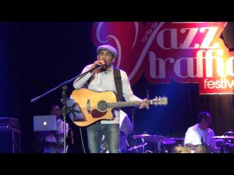 Glenn Fredly -  Live Jazz Traffic Surabaya (part1)